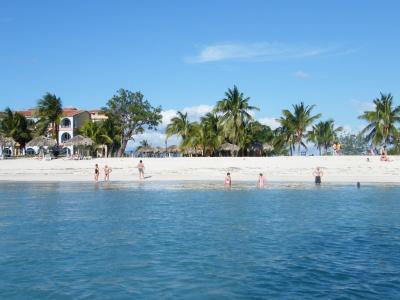 kuba_2008_-_hotel_na_pobe_karibiku_pobl_trinidadu_-_ancon_13_400
